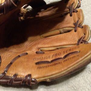 Baseball Glove for Sale in San Antonio, TX
