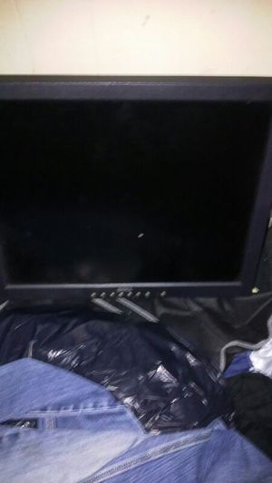 Computer monitor 17 inch dell good condition flat for Sale in Cleveland, OH