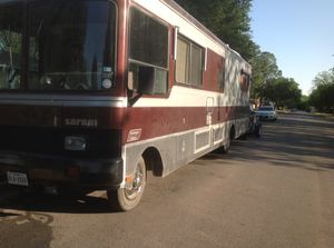Class A Motor Coach Ford 460cid for Sale in Long Lane, MO