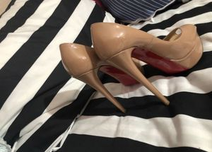 Louis Vuitton red bottoms for Sale in Las Vegas, NV