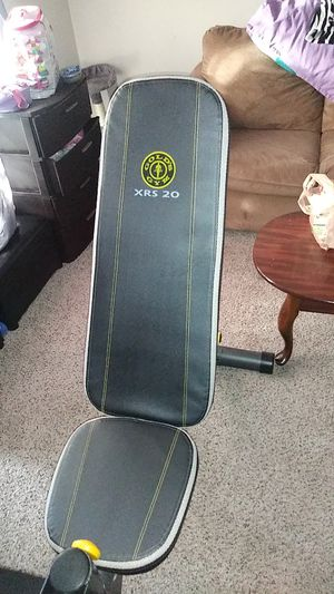Golds gym workout bench for Sale in Dallas, TX