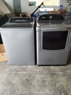 Whirlpool washer and dryer for Sale in Des Moines, WA