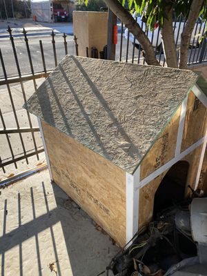 Dog house for Sale in Yucaipa, CA