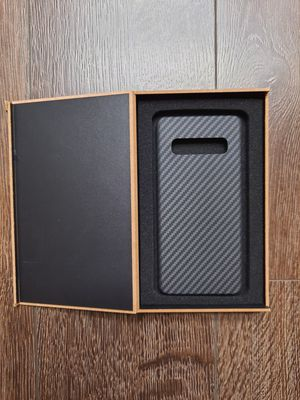 For samsung galaxy s10 carbon fiber case for Sale in Alhambra, CA
