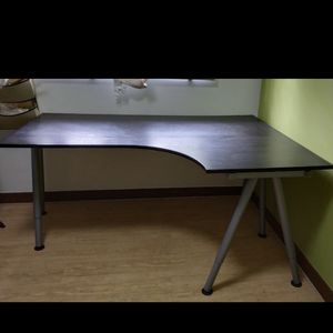 Desk for Sale in Garfield, NJ