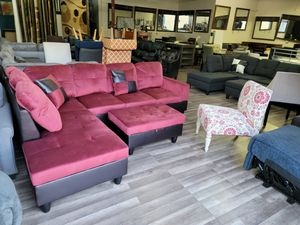 Hot new sectional free ottoman and free rug for Sale in Sacramento, CA