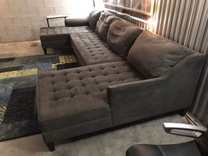 Havertys 3 piece sectional charcoal grey ONLY😍No holds-No deliver for Sale in Raleigh, NC