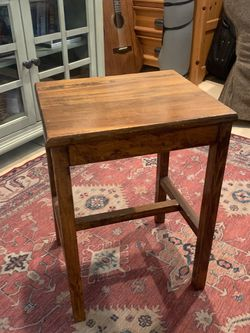 Vintage Small Planter Table Side Table Accent Piece Pick Up In Long Beach for Sale in Long Beach,  CA