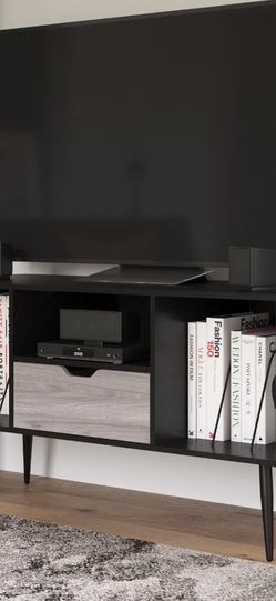 """Queer Eye Copley Transitional TV Stand for TVs up to 55"""", Black Oak for Sale in Las Vegas,  NV"""