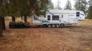 2008 Salem by Forest River toy hauler 40'ft for Sale in Tacoma, WA
