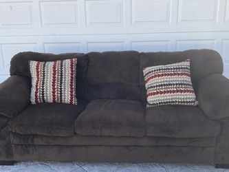 Brown Sofa 7 1/2 Feet Long For Sale for Sale in Norco,  CA