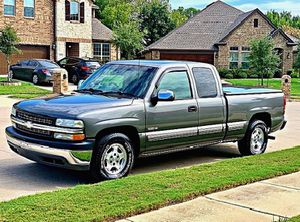 ֆ12OO 4WD CHEVY SILVERADO 4WD for Sale in New York, RU