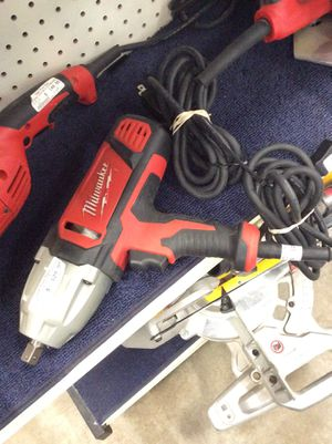 Milwaukee electric impact wrench for Sale in Dallas, TX