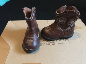 Toddler girl boots size 4 for Sale in Glendale, AZ
