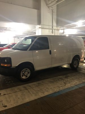 2013 Chevy express cargo van for Sale in Fort Washington, MD