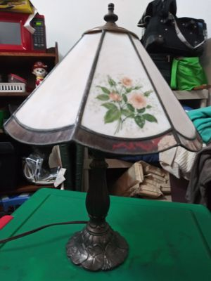 """15"""" Meyda Tiffany Lamp Rose Series for Sale in Clearwater, FL"""