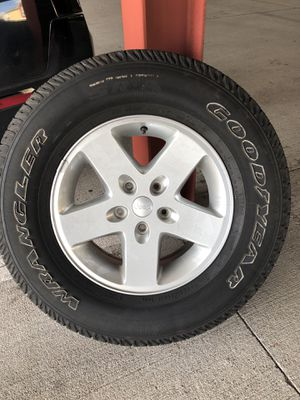 5 Jeep Wrangler stock tires. for Sale in Houston, TX