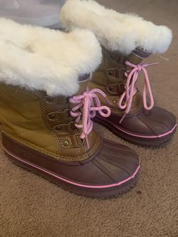Girls Snow Boots Size 12 for Sale in Abington,  PA