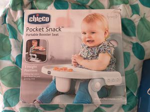 Chicco pocket snack portable booster seat for Sale in Compton, CA