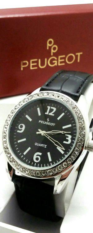 Luxury Women's Swavorski Crystal w Black Leather Band Watch Brand New in Box for Sale in Boca Raton, FL