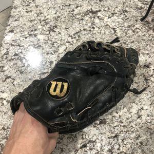 Wilson A2000 catchers glove for Sale in Fontana, CA
