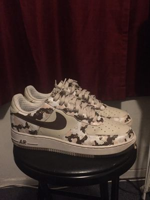 2006 NIKE AIR FORCE 1 PREMIUM DESERT CAMO 10.5 for Sale in Los Angeles, CA