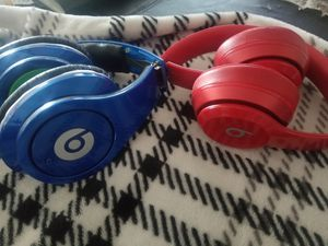 Set of 2 Beats by Dre *READ CAREFULLY* for Sale in Canal Winchester, OH