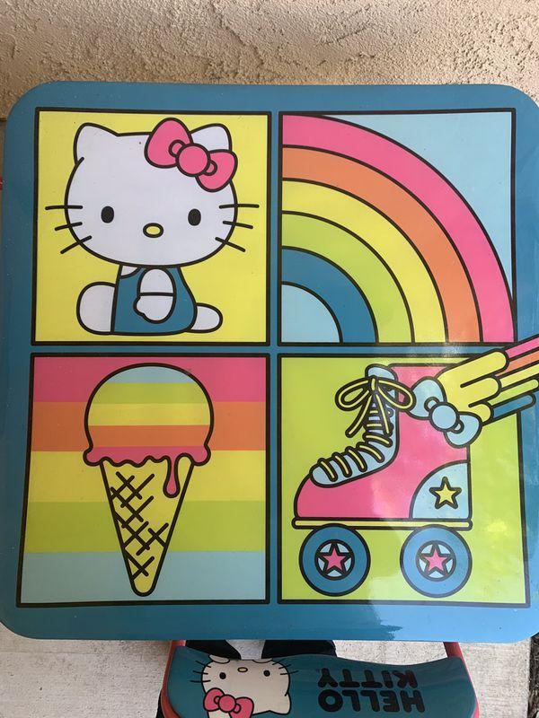 Hello Kitty Table Set
