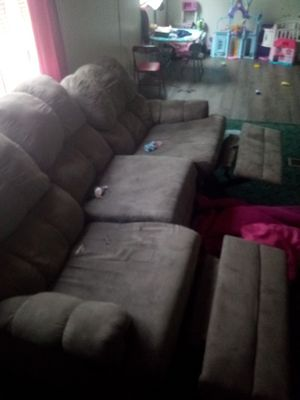 Recliner couch for Sale in Paris, TN