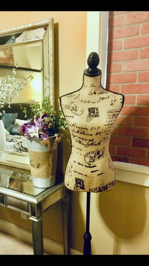Brand New Elegant Dressmakers Mannequin/Torso With Adjustable Height Stand *Plz Read Description* for Sale in Tempe, AZ