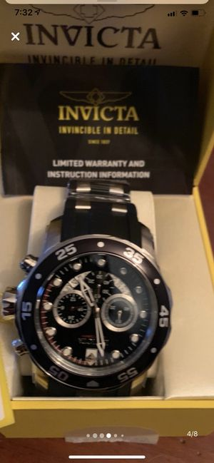 Brand black new Invicta men's 6977 black new in box w tags for Sale in Yonkers, NY