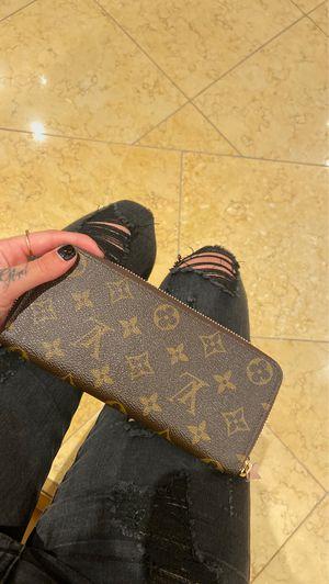 Authentic Louis Vuitton wallet for Sale in Las Vegas, NV