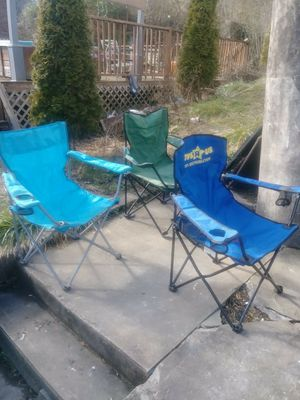 5 folding beach chairs for Sale in Mullens, WV
