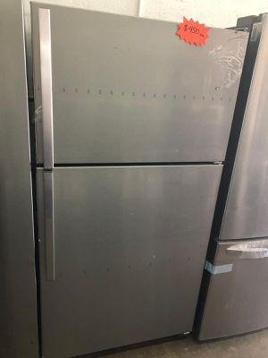 "Whirlpool refrigerator 33"" stainless steel brand new with warranty for Sale in Hialeah, FL"