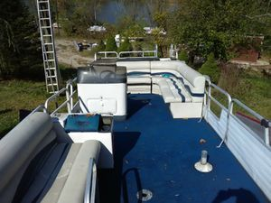 24ft pontoon with or without trailer for Sale in MCCONNELSVLE, OH