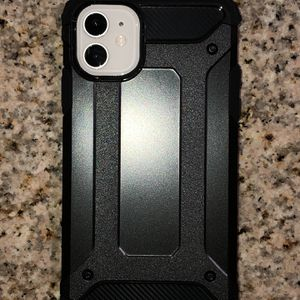 Brand new cases for iPhones 11, 11pro and 11pro max GREAT quality asking $5 each FIRM ( PHONE NOT INCLUDED) for Sale in Compton, CA
