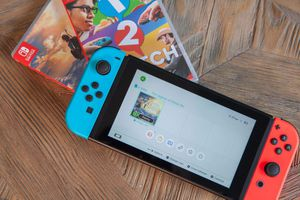Nintendo Switch W/ Console for Sale in Columbus, OH