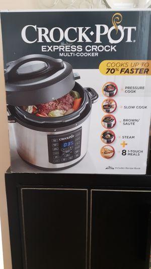 6 Qt. Crock-Pot Multi Cooker & 1.5 Qt. Crock-Pot Slow Cooker - Brand New (i.e. $60+ Value) for Sale in Englishtown, NJ