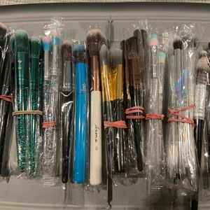 Miscellaneous New Makeup Brushes for Sale in La Mirada, CA