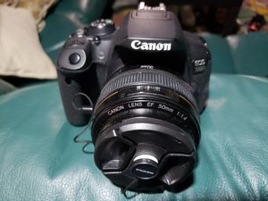 Canon 700d *camera body only* (Will trade see below) for Sale in Southfield, MI