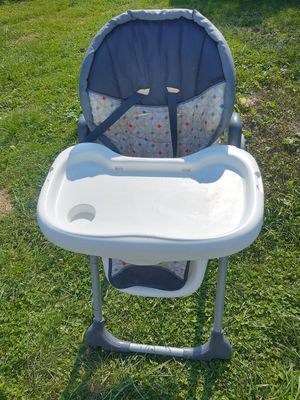 Baby trend heigh chair for Sale in Glendale Heights, IL
