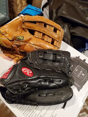 Two baseball glove for Sale in The Bronx, NY