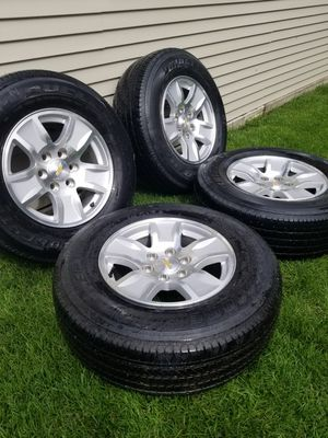 "17"" Chevrolet Silverado Wheels & Bridgestone Tires for Sale in Chicago, IL"