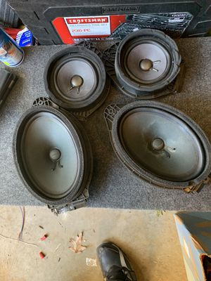 Bose factory speakers came out Chevy Tahoe for Sale in Euclid, OH