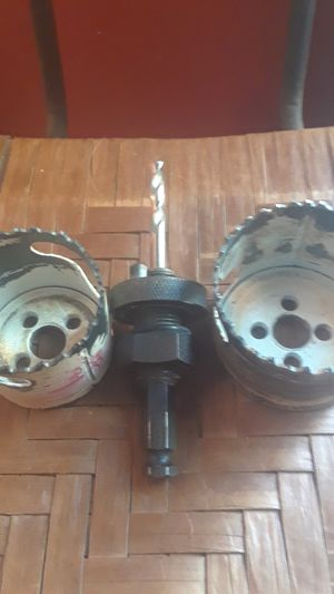 Hole saw sizes 2 1/8, 3 1/2 plus chuck for Sale in Lilburn, GA