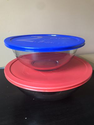 Pyrex 2.5 and 4 Quart bowls for Sale in Cambridge, MA