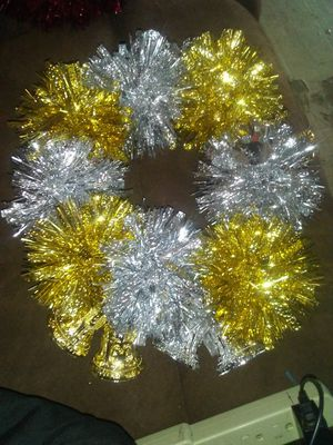 Silver an gold wreath with bells all arond for Sale in West Monroe, LA