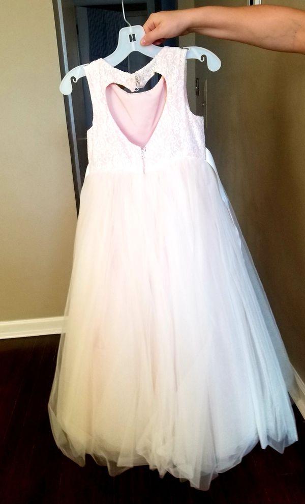 Davids bridal flower girl dress size 6 (fits 8yo who normally wears 7/8)