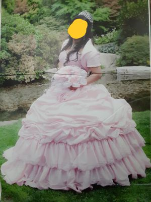 Quinceanera dress and pillows for Sale in Snohomish, WA