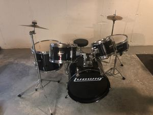 LUDWIG DRUM SET KIDS SIZE EXCELLENT CONDITION for Sale in Glastonbury, CT